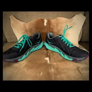 Hoka One One ladies size 9